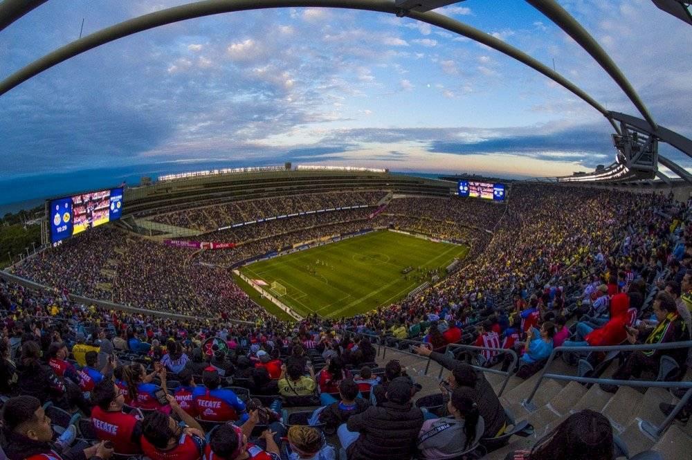 La afición mexicana llenó el Soldier Field. | MEXSPORT