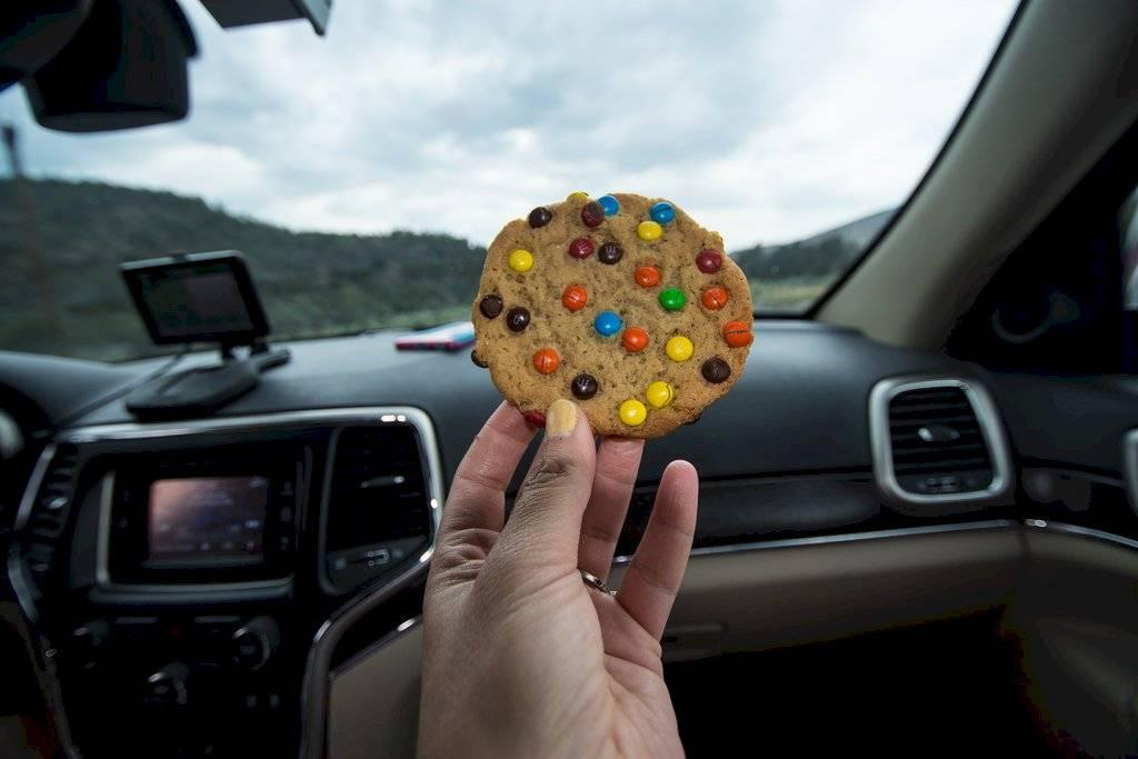 Comer en el auto.