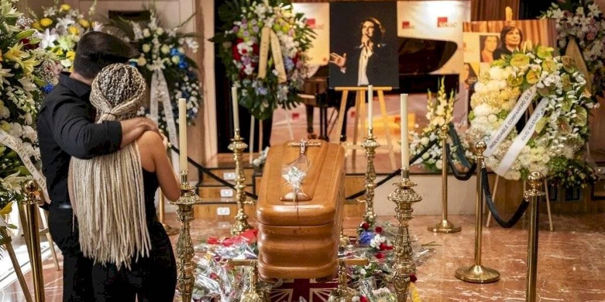 Dan último adiós al cantante Camilo Sesto