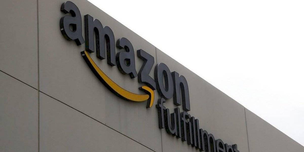 Repartidor de Amazon roba paquete dejado en una casa por repartidor de UPS