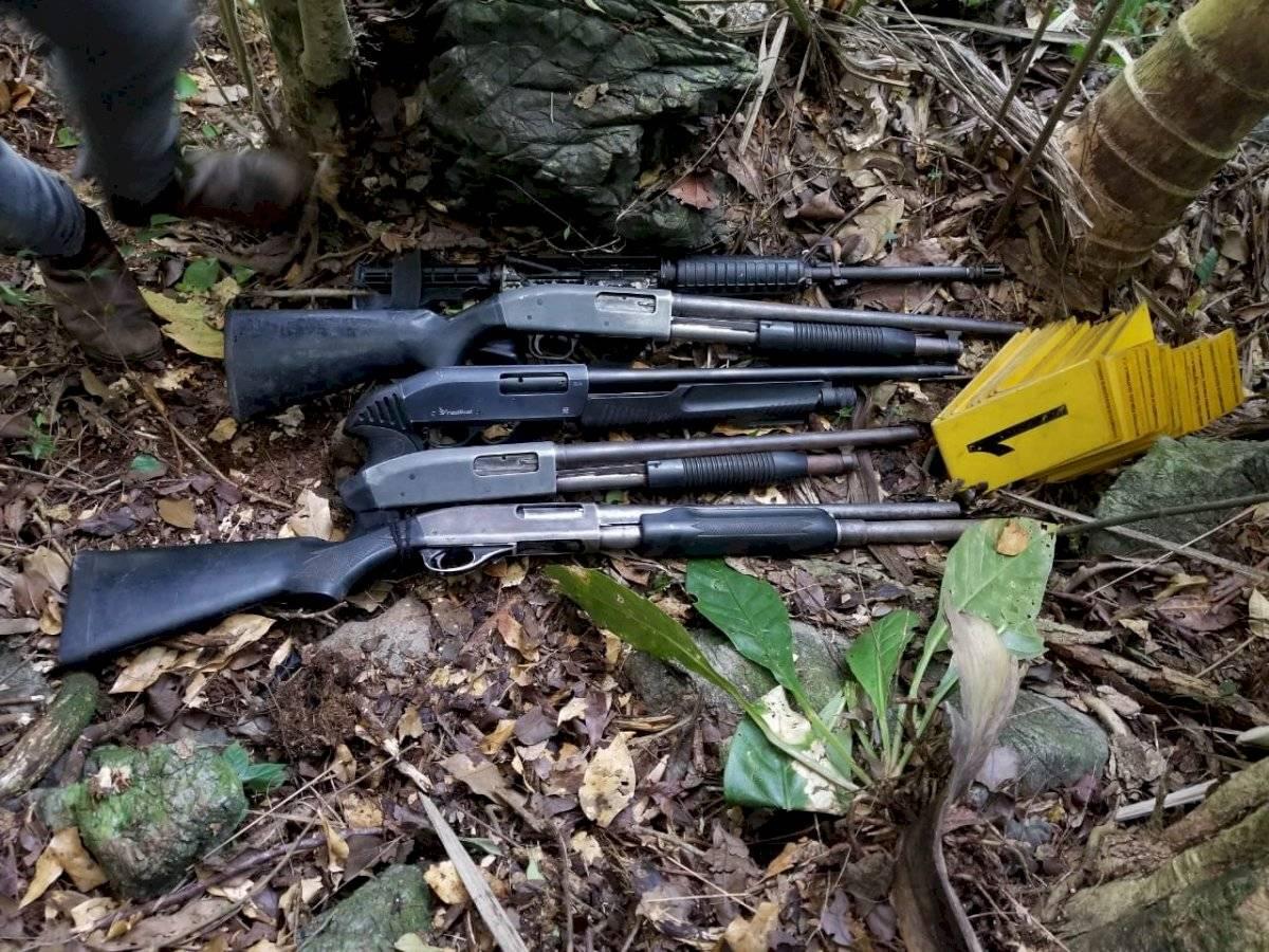 Estas fueron algunas armas que fueron localizadas durante el estado de Sitio. Foto: PNC