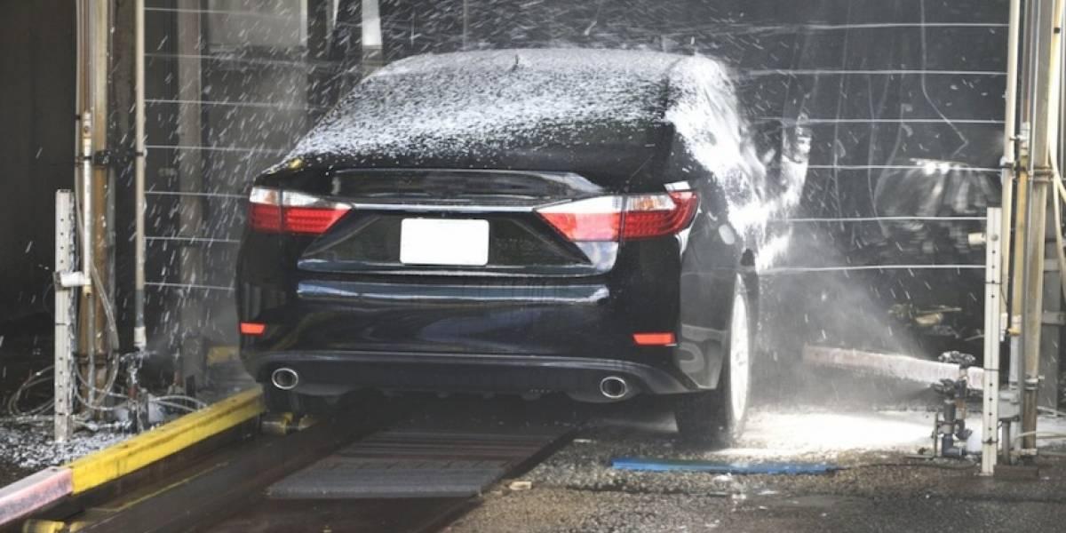 ¡Cuidado! Lavar tu auto frecuentemente puede maltratarlo