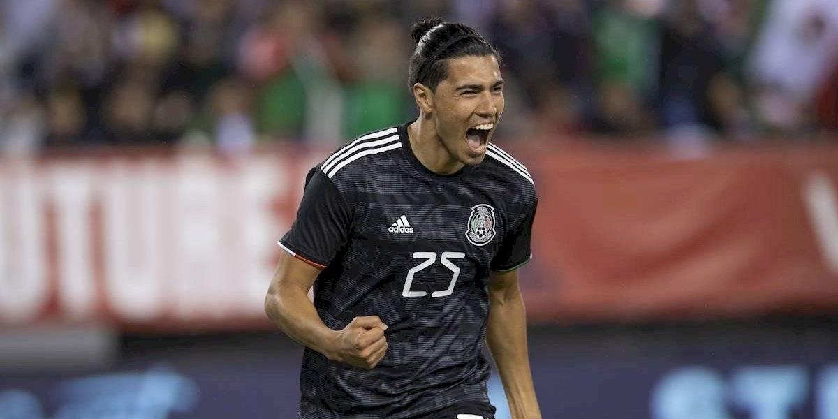 Erick Gutiérrez presume haber sido operado con éxito