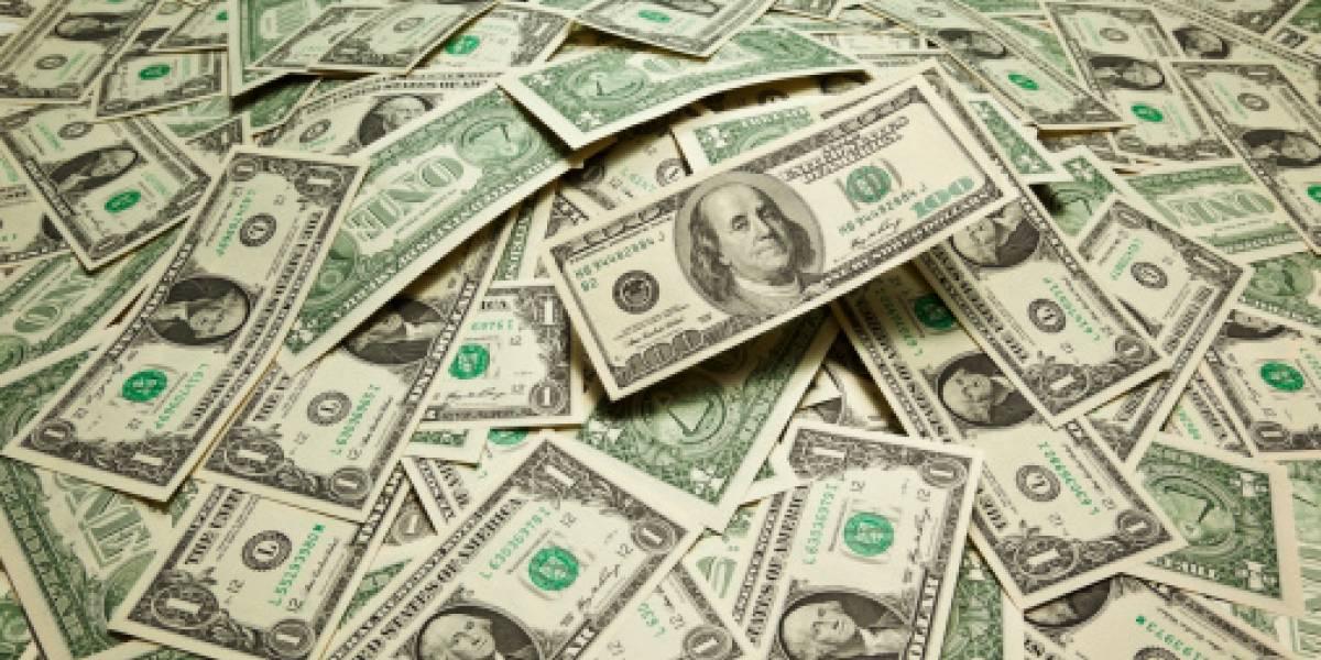 Pareja recibe $85 millones tras error de un banco y se gastaron todo el dinero cumpliendo sus sueños