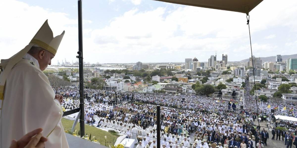 El papa Francisco finaliza su gira africana en la isla de Mauricio