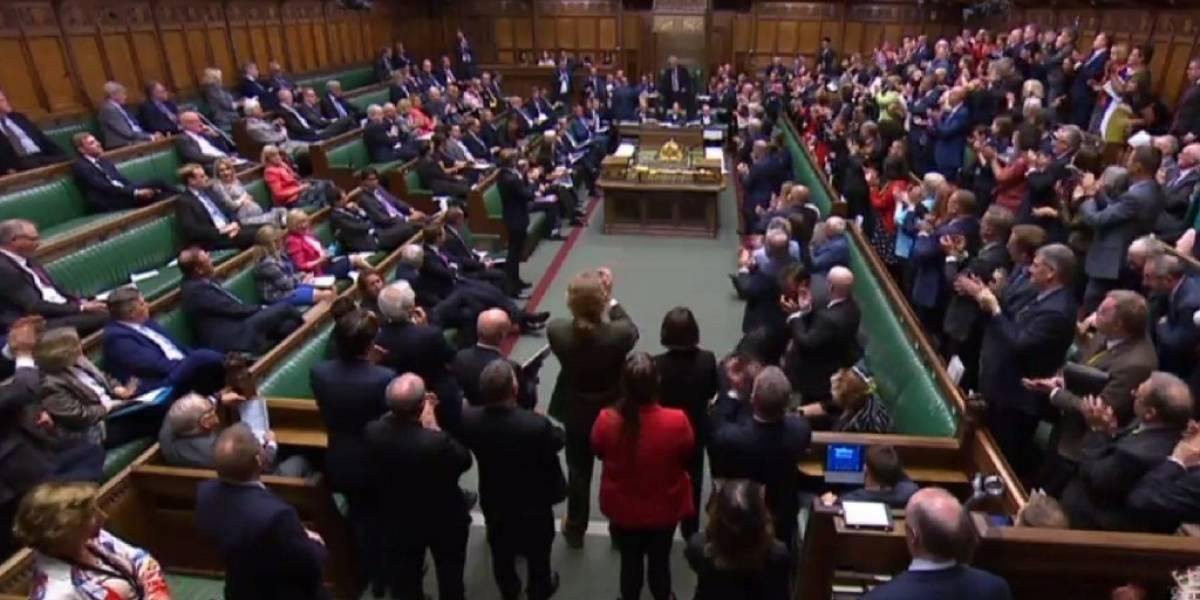Parlamento británico entra en receso en pleno bloqueo del Brexit