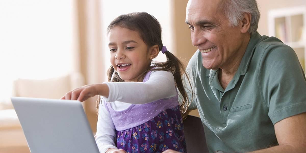 Tecnología para abuelitos: Chilenter instalará 32 laboratorios digitales a lo largo de país para ellos