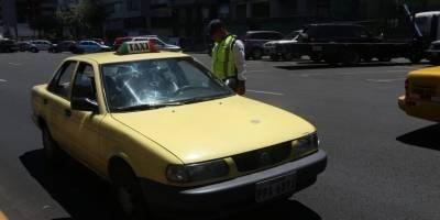 Controles de 'Hoy no Circula' en Quito