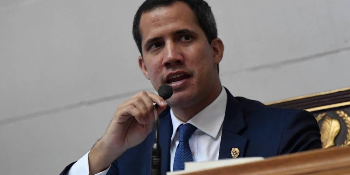 """Guaidó acusa a Maduro de """"distraer"""" con tensiones con Colombia"""