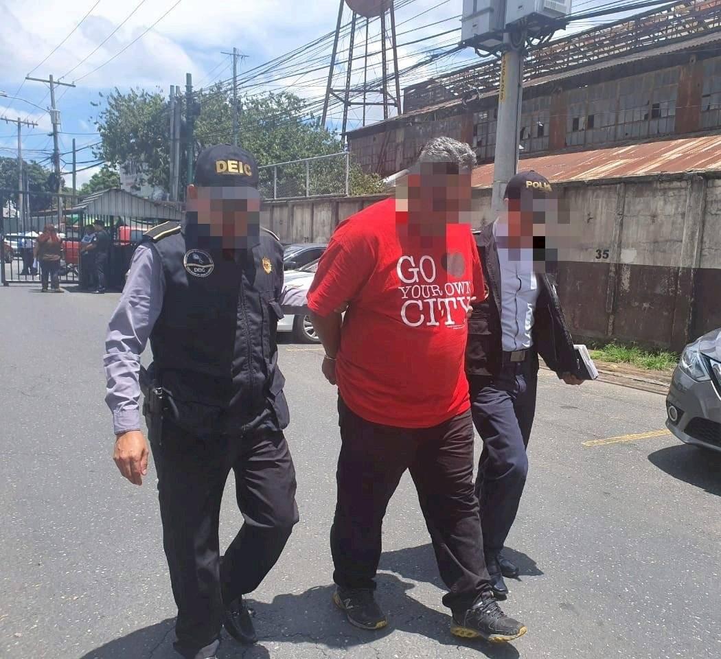 """PNC captura a presunto jefe de """"Los Cristaleros""""."""