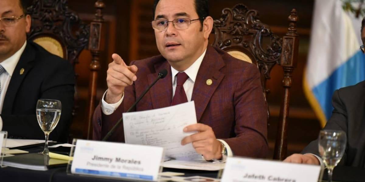 Presidente pide a Contraloría fiscalizar fondos del IGSS que supuestamente llegaron a Acción Ciudadana