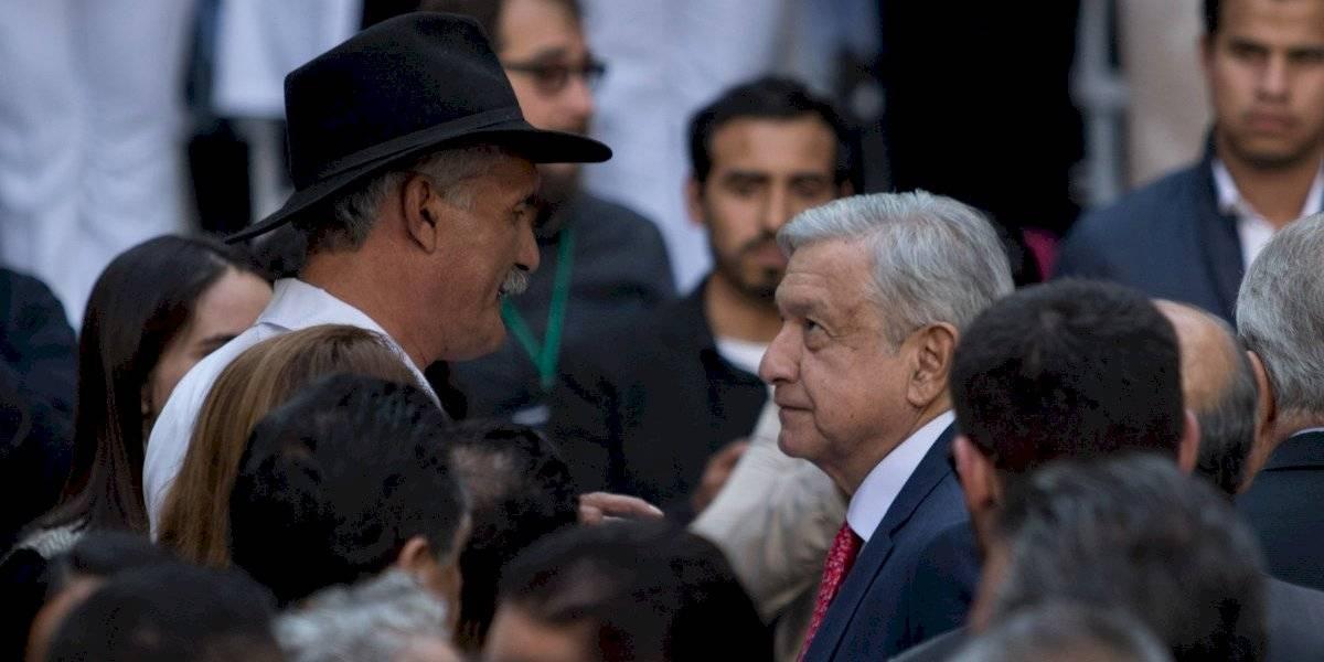Exige AMLO a Mireles disculparse por llamar 'pirujas' y 'nalguitas' a mujeres