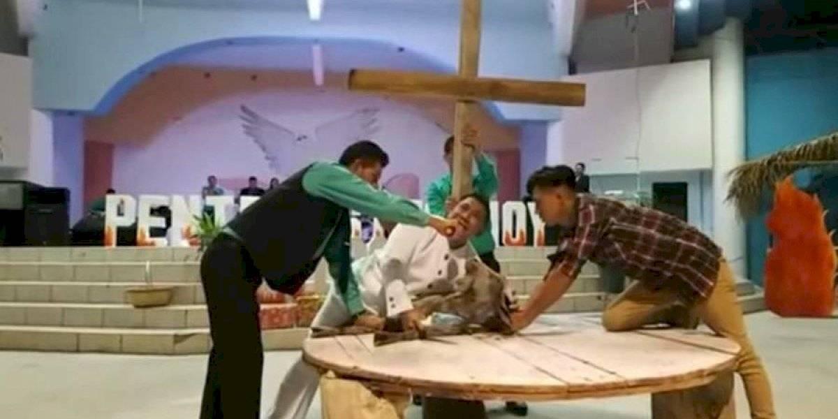 Pastor hondureño degolló a un chivo durante servicio religioso