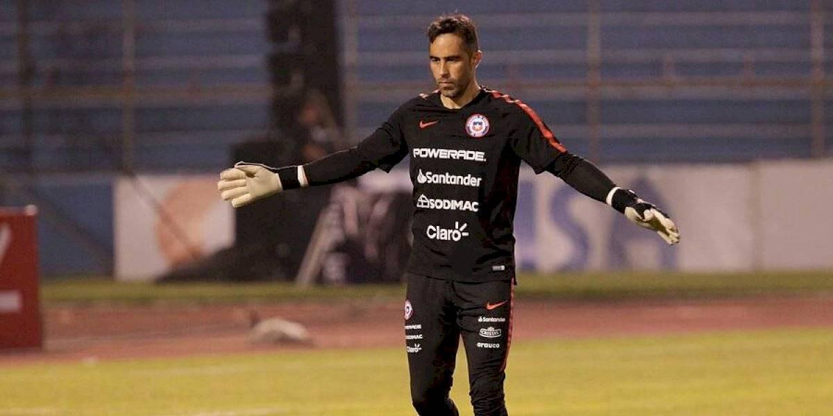 Claudio Bravo llegó en silencio a Chile y completó el plantel de la Roja para amistoso con Perú