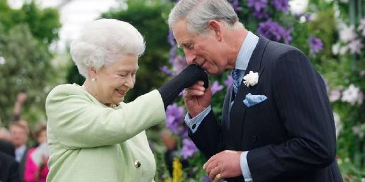 La reina Isabel otorgará un poder especial al príncipe Carlos sin hacerlo rey