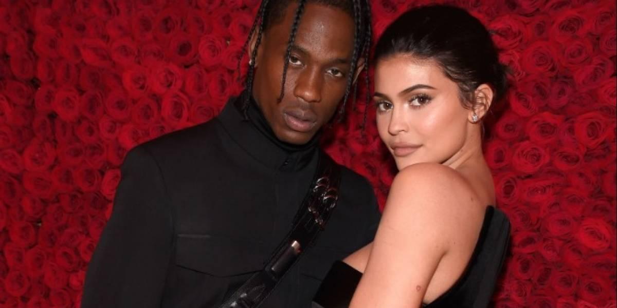 Kylie Jenner se mostró completamente desnuda junto a su pareja Travis Scott