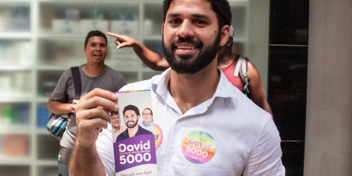 Coaf aponta 'movimentação atípica' de R$2,5 mi por David Miranda; deputado justifica