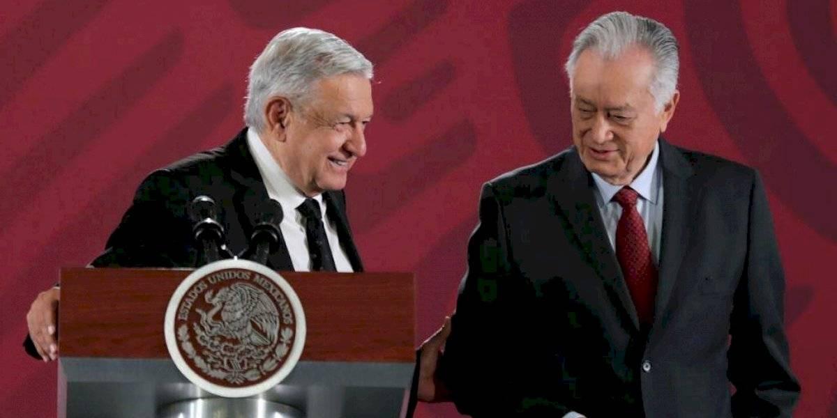 Bartlett me apoya a limpiar de corrupción a la CFE: AMLO