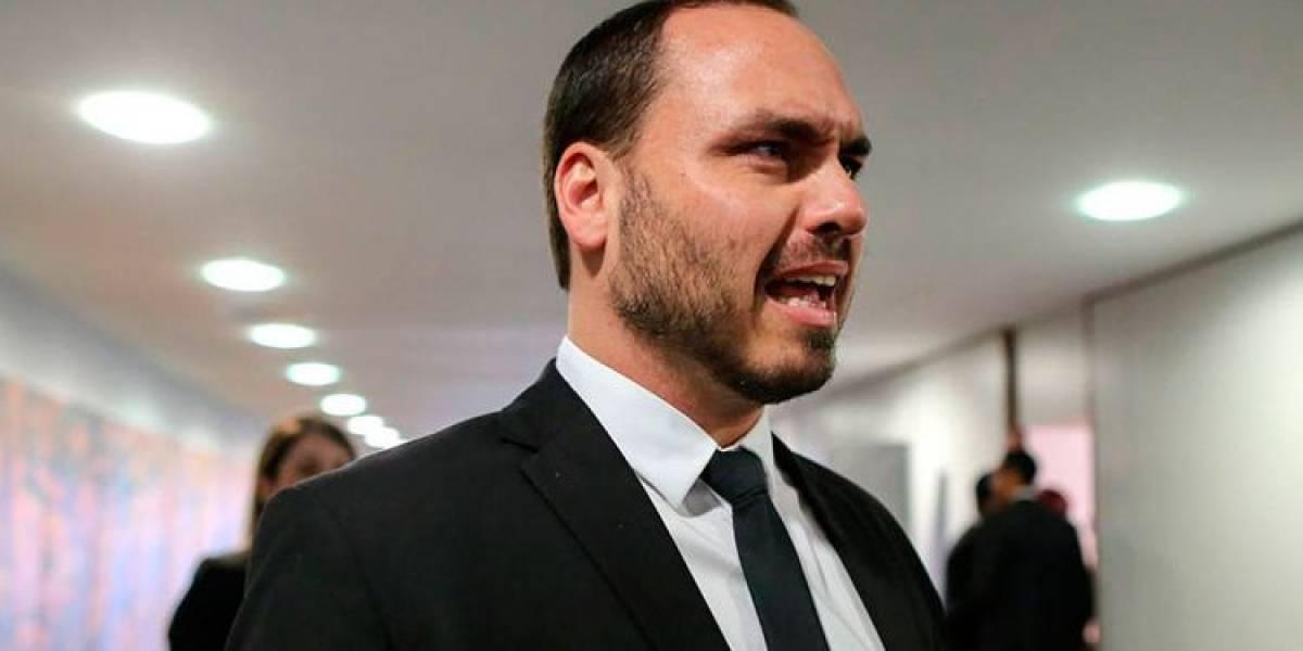 Hijo de Bolsonaro cuestiona a la democracia