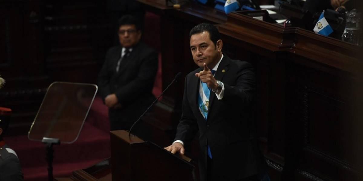 Presidente Jimmy Morales reacciona por foto de Norma Torres junto a exfiscales de Guatemala