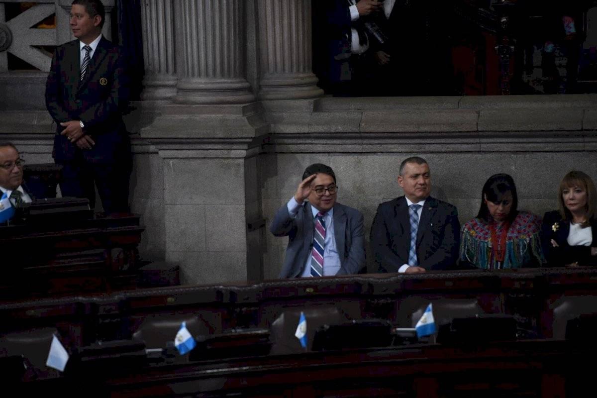 Jordán Rodas levanta la mano al ser aludido por el presidente Morales