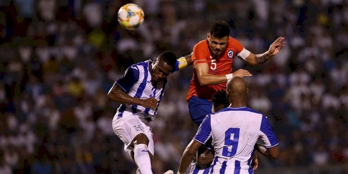 """Paulo Díaz saca pecho en la Roja: """"Fue mi primer partido con la jineta de capitán y es un gran honor"""""""