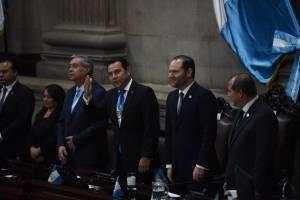 JImmy Morales, Álvaro Arzú Escobar y Nester Vásquez, presidentes de los organismos Ejecutivo, Legislativo y Judicial, respectivamente.