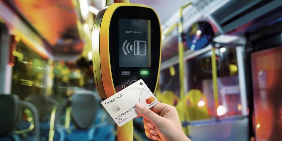 Prefeitura testa pagamento de tarifa de ônibus com cartão de débito e crédito