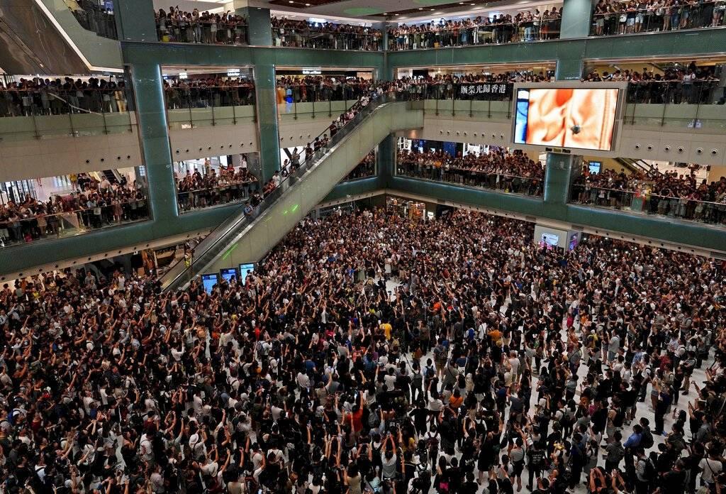 Los manifestantes abarrotaron diversos centros comerciales