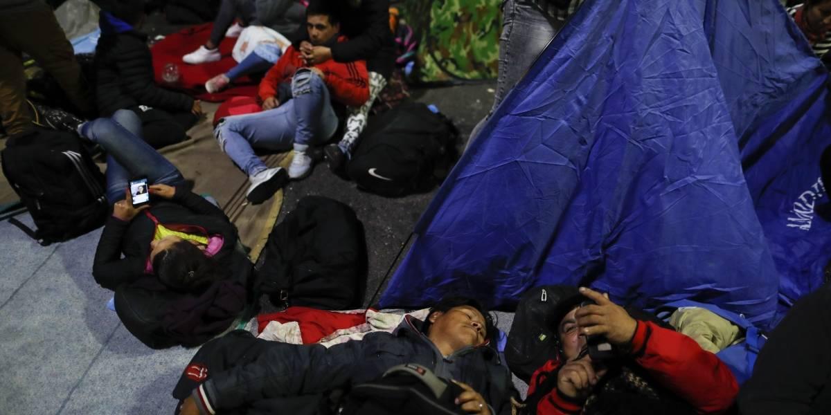 Carpas en las calles de Buenos Aires por la crisis: Congreso de Argentina debate ley para declarar emergencia alimentaria