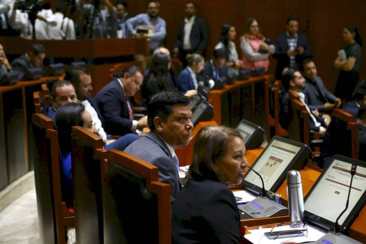 Congreso de Jalisco da el primer paso para crear una nueva Constitución