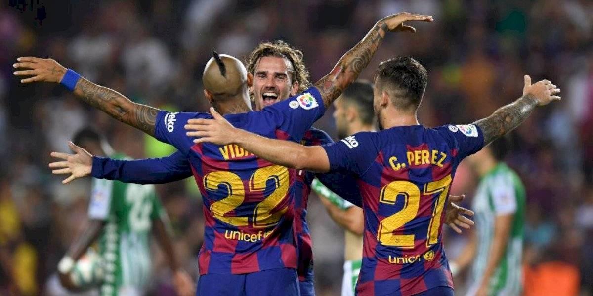 """Arturo Vidal asoma como """"falso 9"""" en Barcelona para enfrentar a Valencia"""
