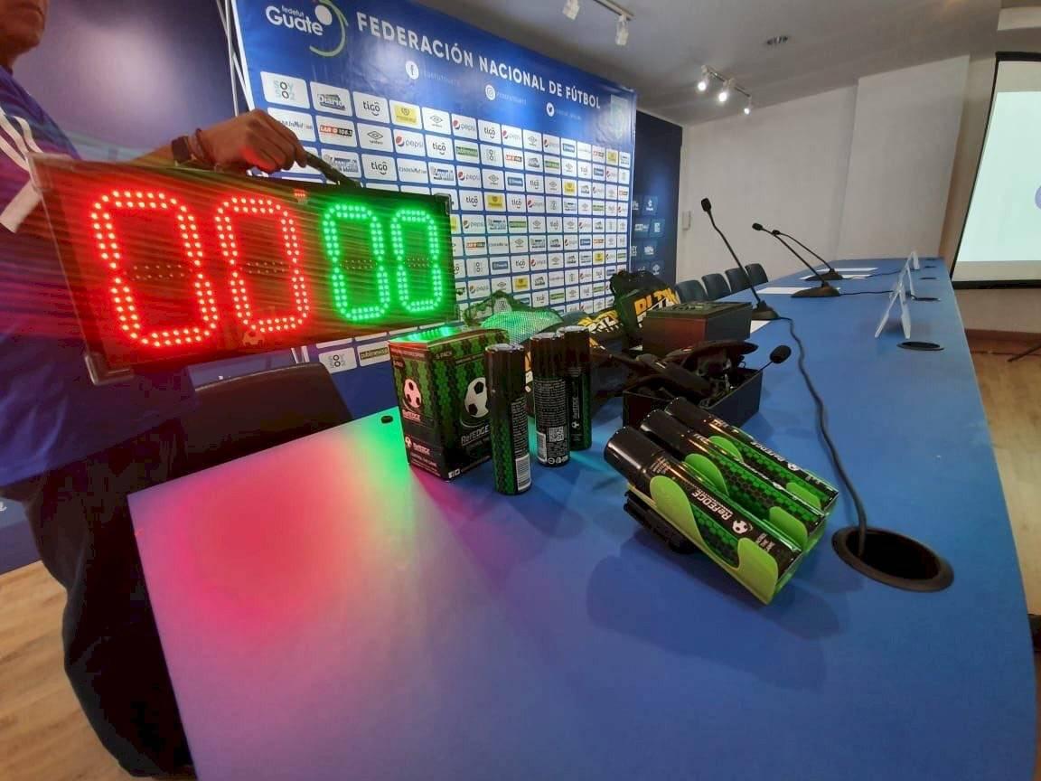 Implementos que utilizarán los árbitros en los partidos en Guatemala