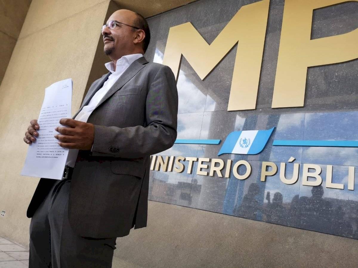Manfredo Marroquín presenta denuncia contra el presidente Jimmy Morales