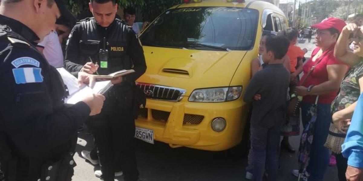Atropellan a personas que participaban en desfile en Villa Nueva