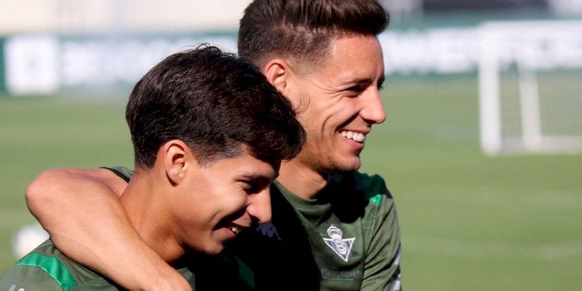 Técnico del Betis le pide a Diego Lainez que espere su momento
