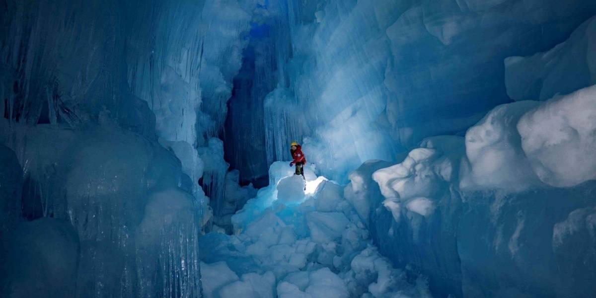 Encuentran en la Antártida una cueva descomunal que había estado bloqueada durante muchos años