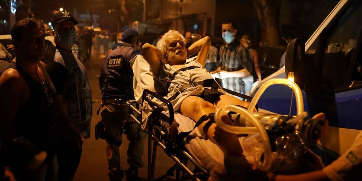 Escenas de pánico en Brasil: incendio en hospital de Rio de Janeiro deja al menos 11 muertos