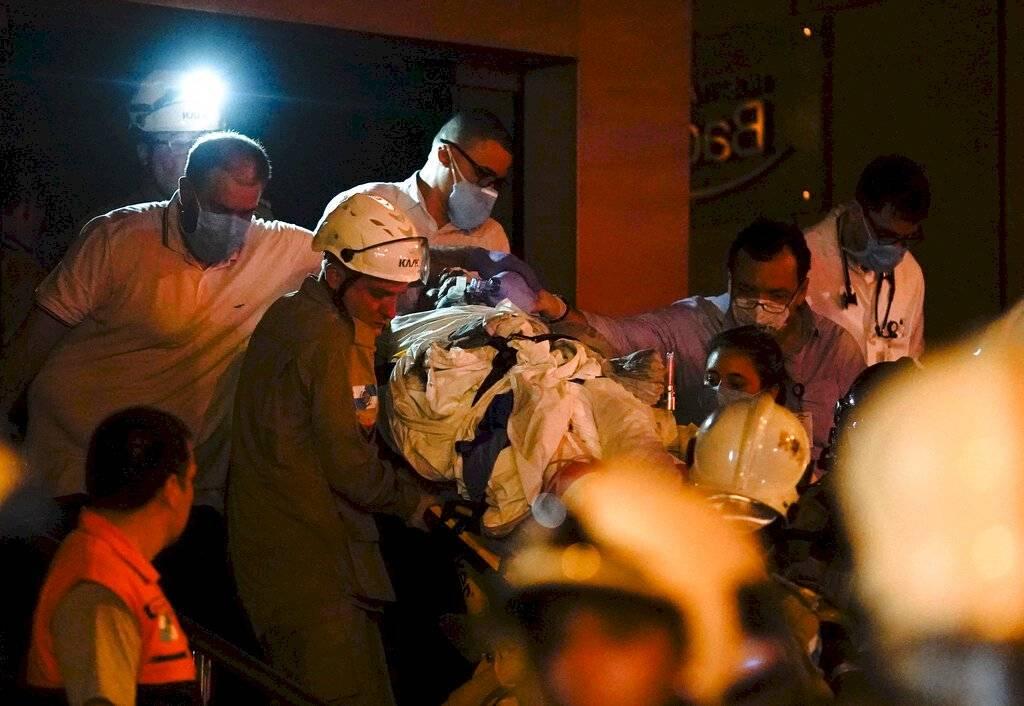 Rescate de hospitalizados tras incendio