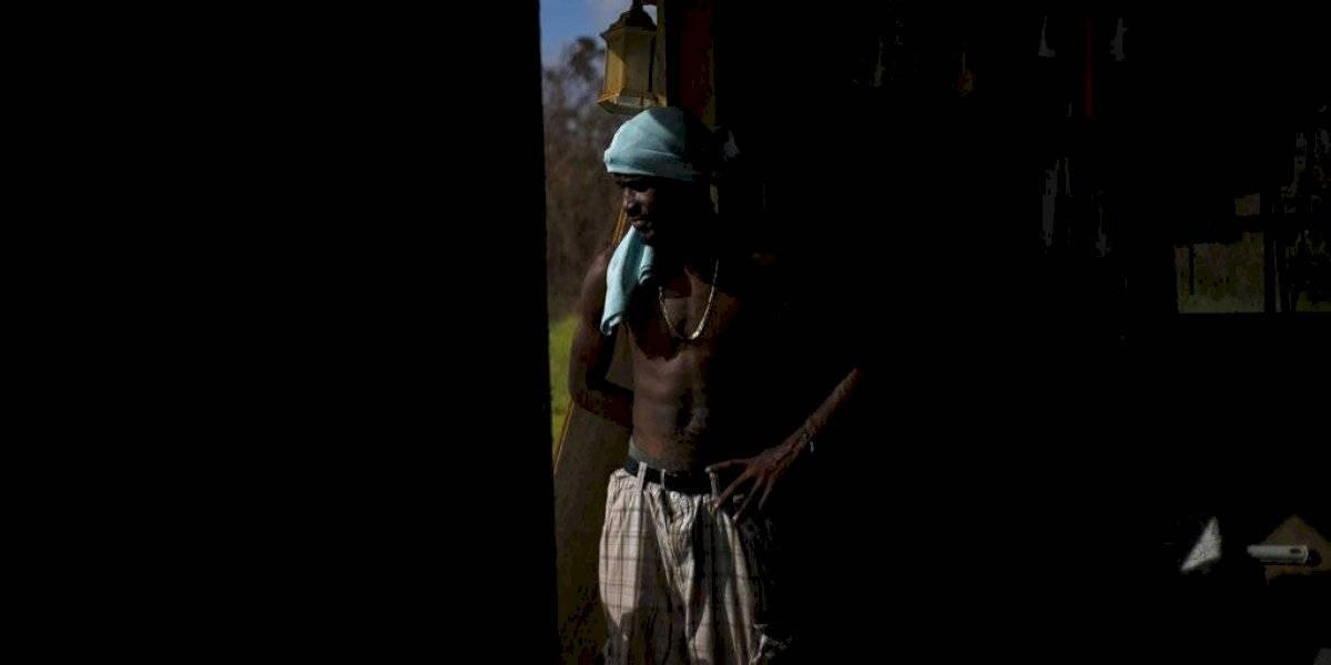Bahameños buscan a sus seres queridos entre miles de desaparecidos
