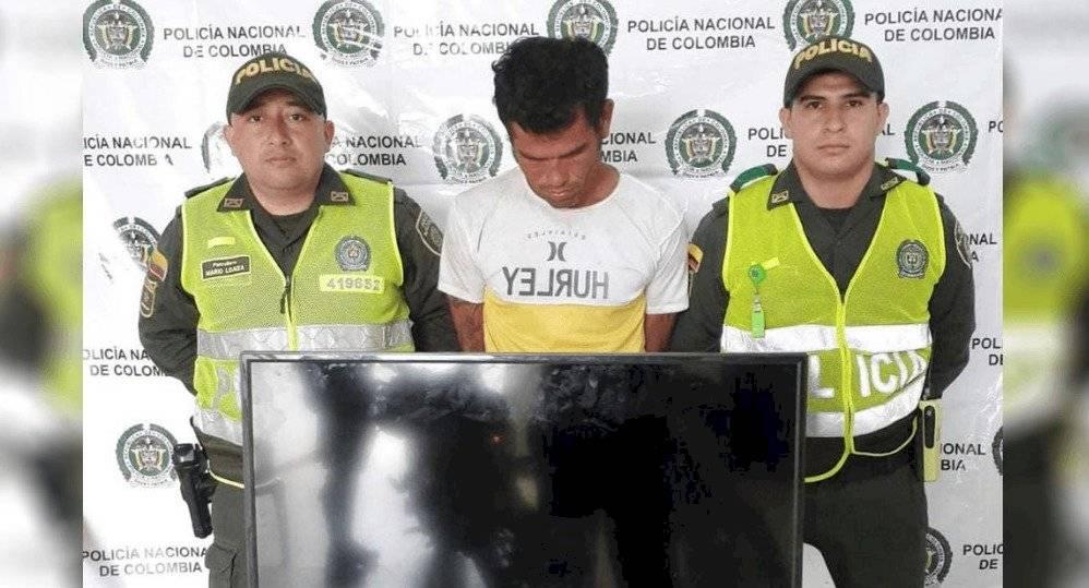 Hombre es capturado mientras le robaba a su propia madre