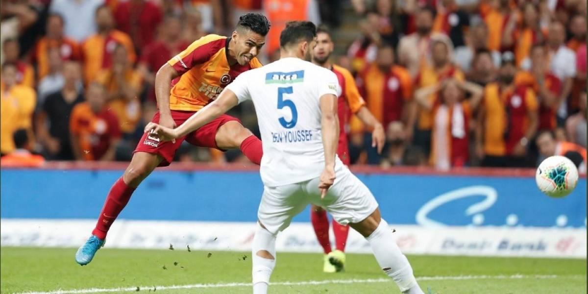 ¡Ruge el 'Tigre' en Estambul! Primer gol de Falcao con el Galatasaray