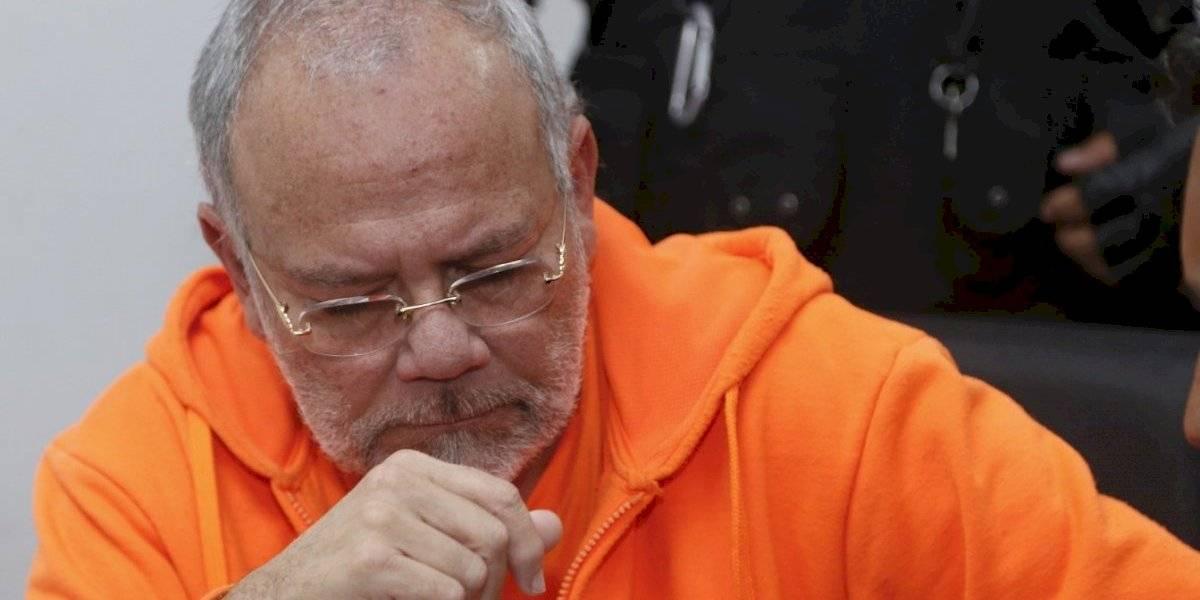 Carlos Pareja Yannuzzelli sentenciado por tráfico de influencias en Petroecuador