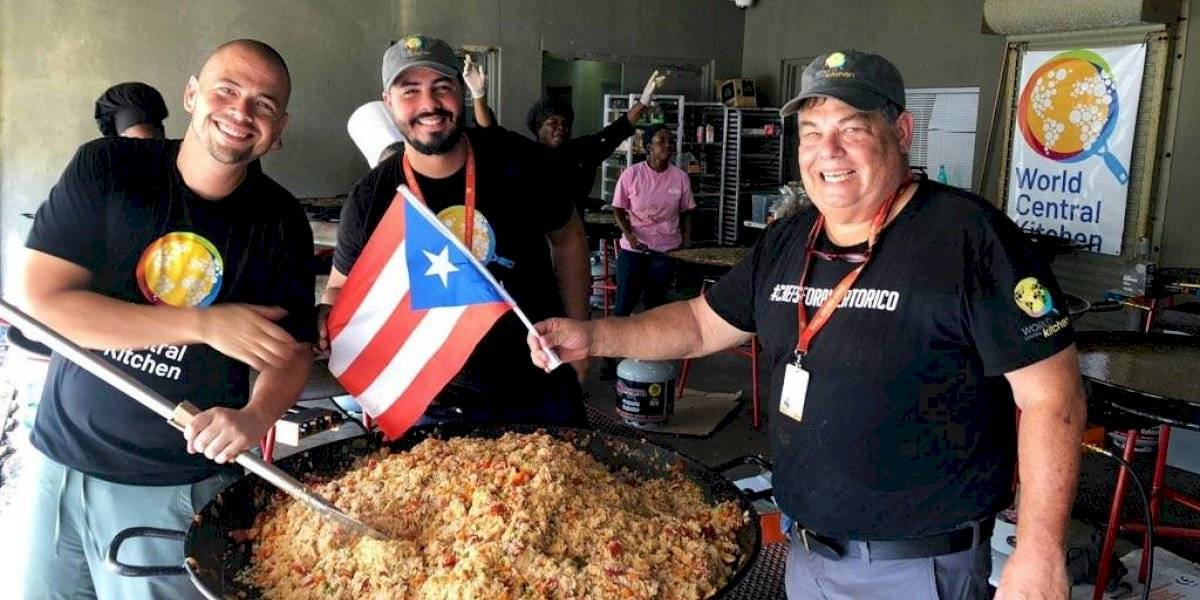 Voluntarios boricuas de World Central Kitchen sirven comida en las Bahamas
