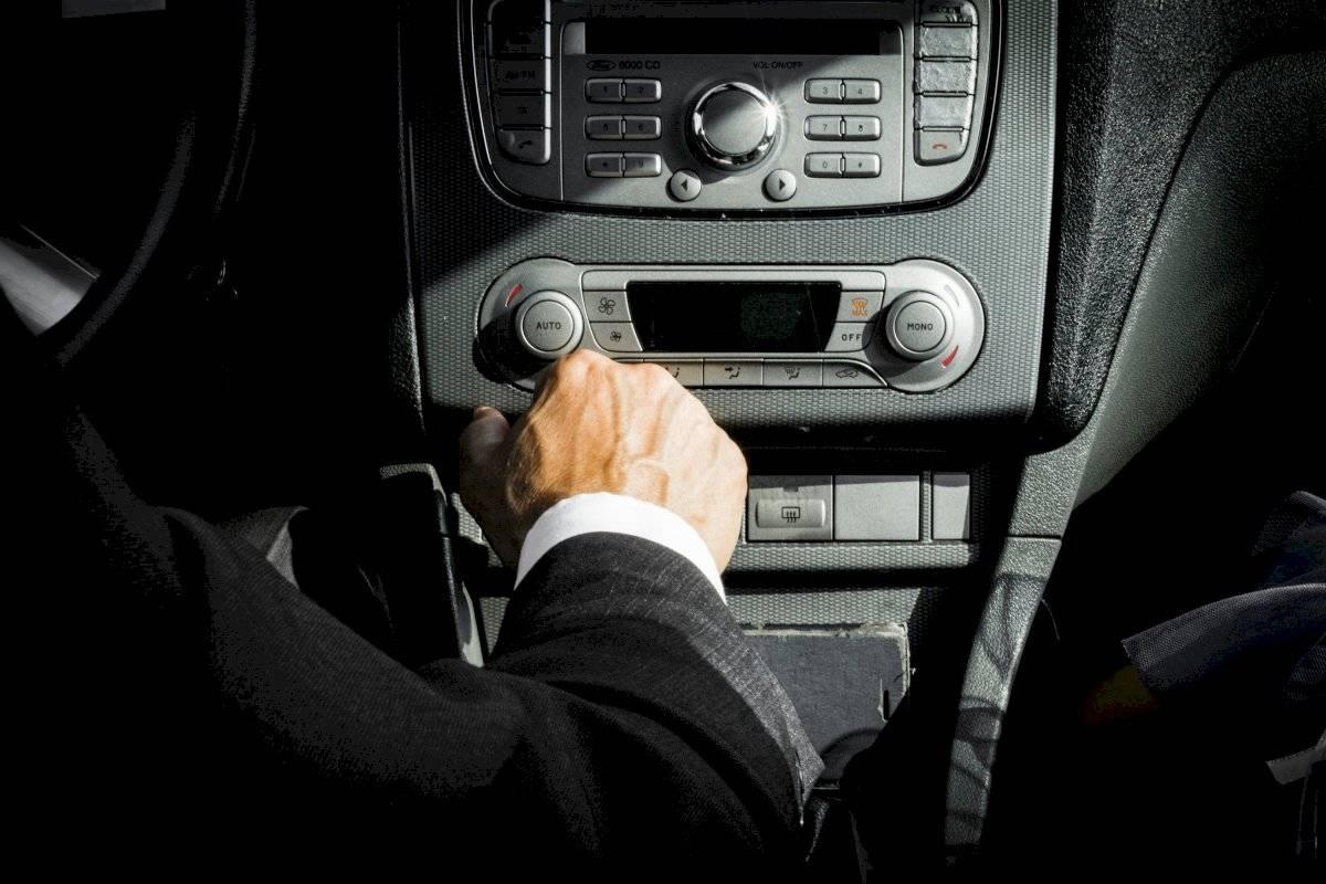 hombre conductor