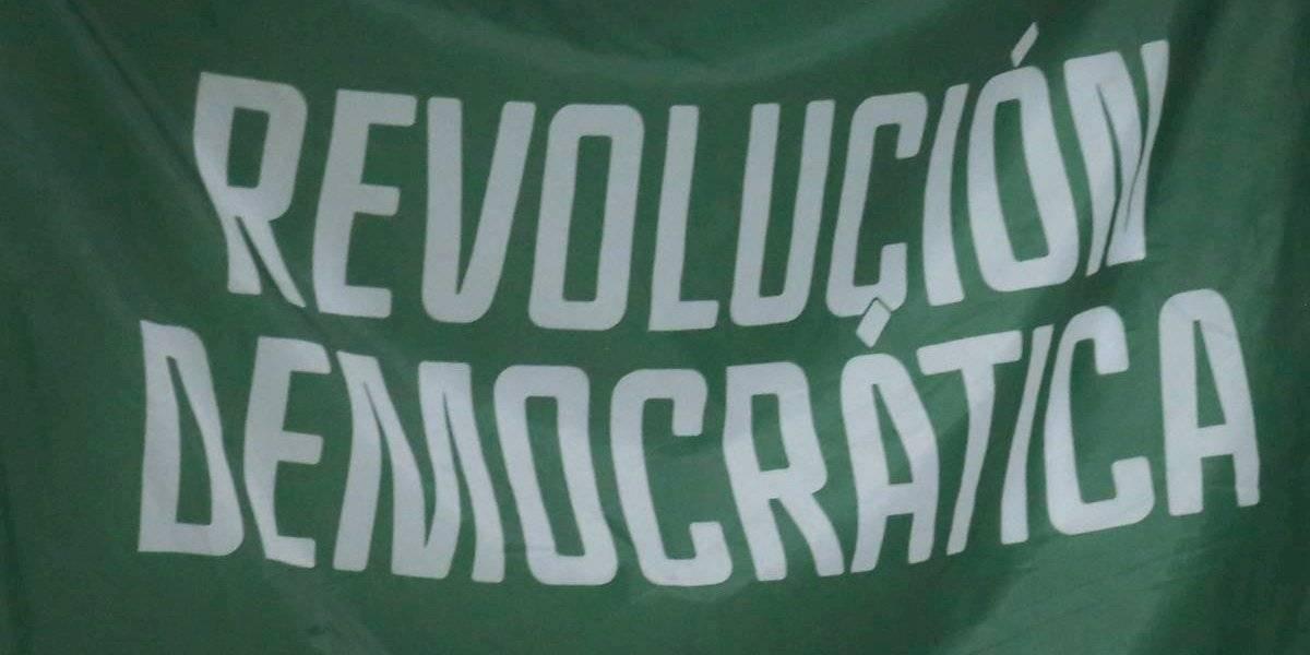 """Revolución Democrática privilegia """"amiguismo y pituteo"""": Concejala renuncia en carta a la militancia"""