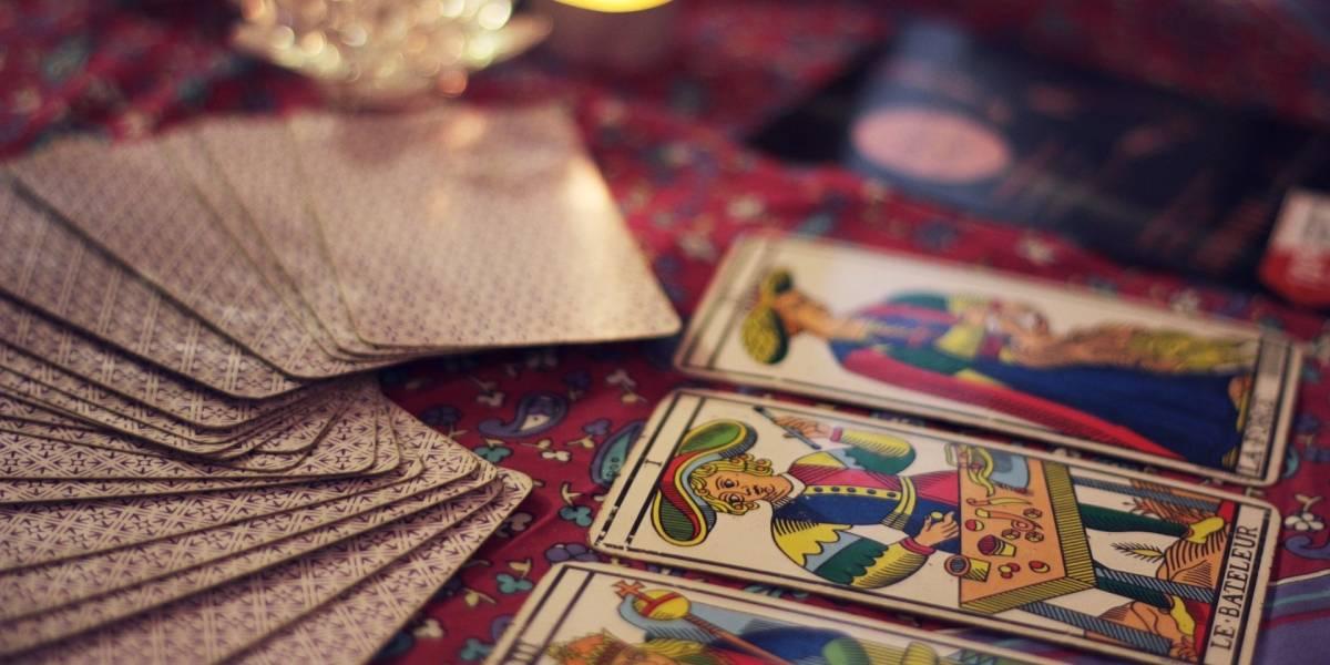 Feira gratuita de misticismo toma conta da Av. Paulista no fim de semana