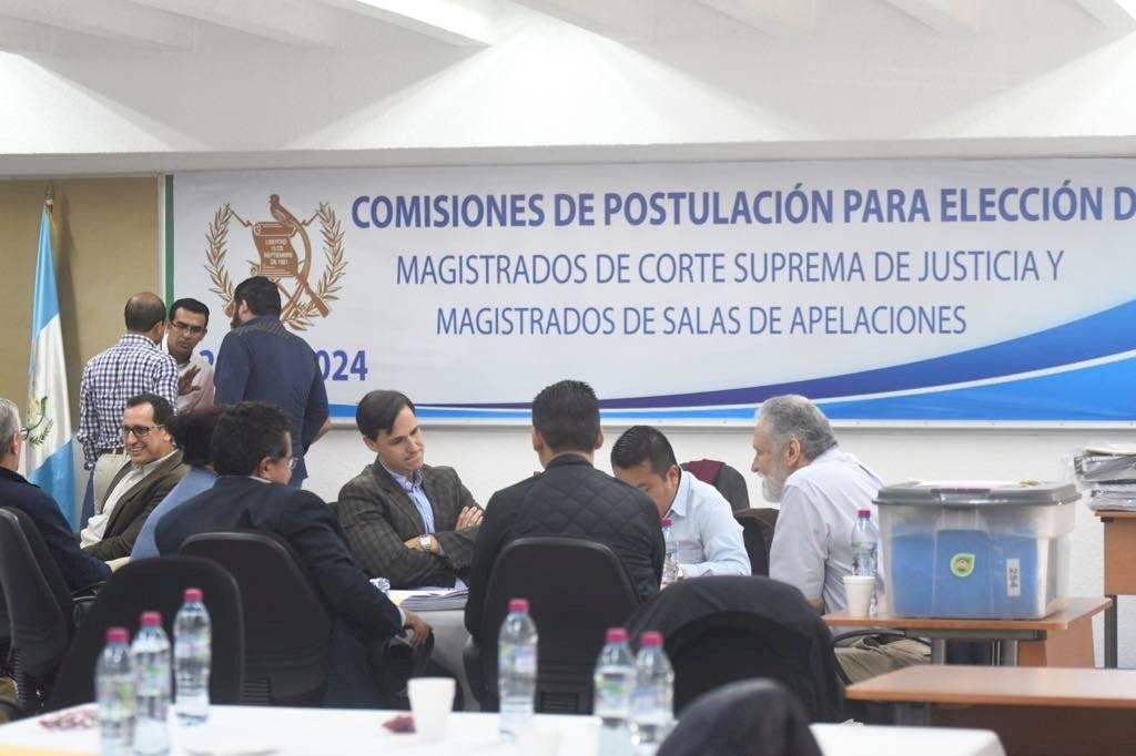 Rechazan fallo que ordena continuar con el trabajo de las comisiones de postulación. Foto: Omar Solis