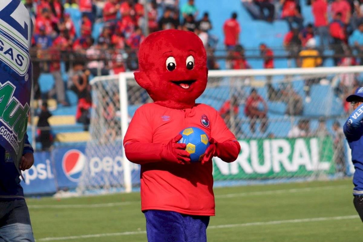 Flamita regresó al estadio Manuel Felipe Carrera
