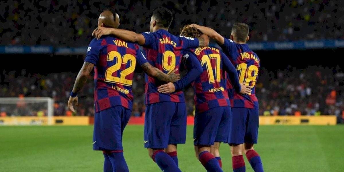Hasta Vidal salió al baile: Así opera el incontrolable y poderoso camarín del Barcelona